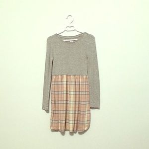 Size 8 kids dress from gap, worn once.